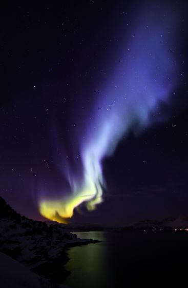 aurora_blue_flame_norway_140222