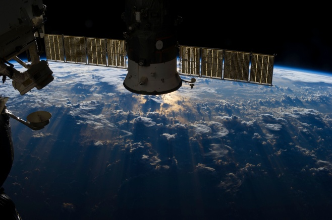 NASA/HDEV DELIVER LIVE STREAMING VIEW OF EARTH FROM THE ISS